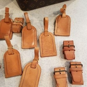 Auth Louis Vuitton Luggage Tags & Buckles